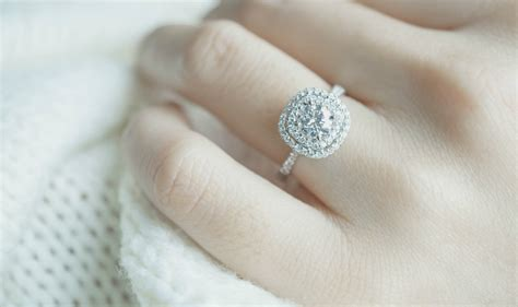Engagement Right by Engagement Ring Ideas How To The Right Engagement