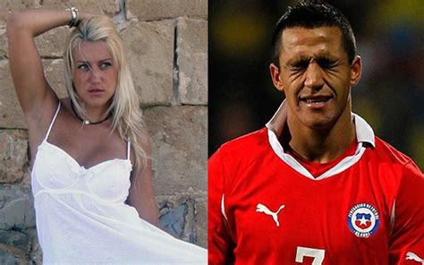 alexis sanchez dad images arsenal star alexis sanchez becomes father after