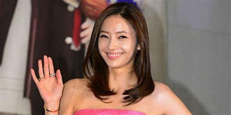 film barbie melahirkan barbie korea han chae young resmi melahirkan