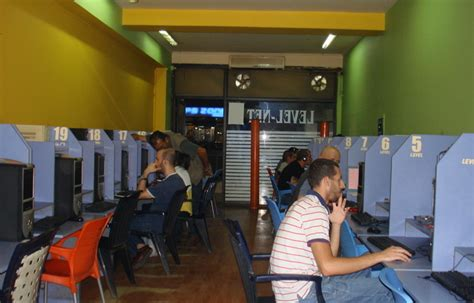 layout de um cyber cafe surf s up in lebanon internet speeds increase