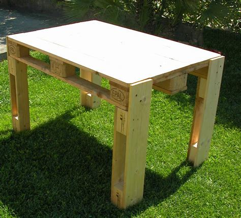 tavolo pallet tavoli per giardino mobili in pallet
