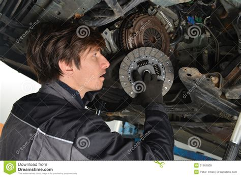 fiat punto clutch slipping auto mechanic working the car and changing clutch
