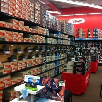 sports authority shoe store sports authority shoe store 28 images s sporting goods