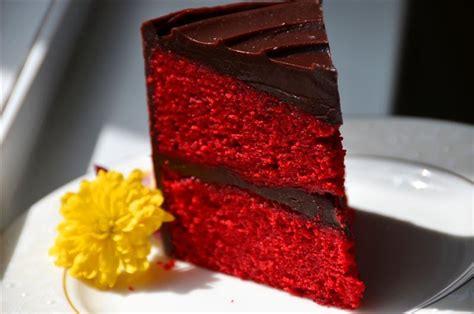 butteryum red velvet chocolate ganache cake