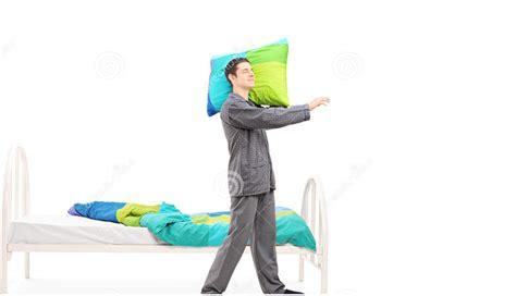 mal di testa al risveglio cause sonnambulismo cause e rimedi dottor sport