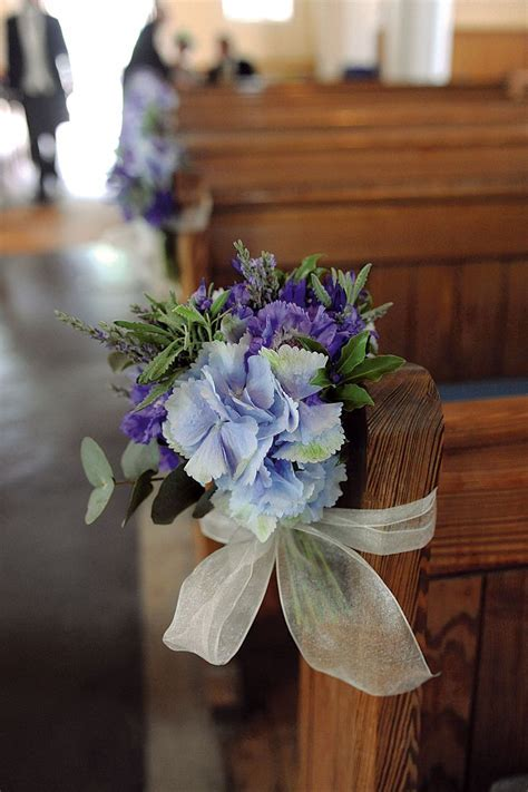 Best 25  Pew flowers ideas on Pinterest