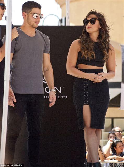 demi lovato and nick jonas tour demi lovato and nick jonas wear trendy sunglasses at