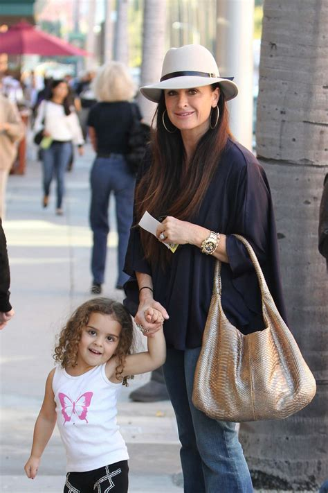 real housewives of beverly hills kyle richards addresses kims kyle richards photos photos kyle richards out and about