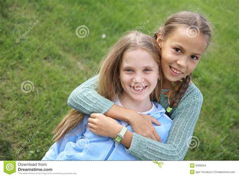 girl preteen models smiling preteen girls stock images image 6368304
