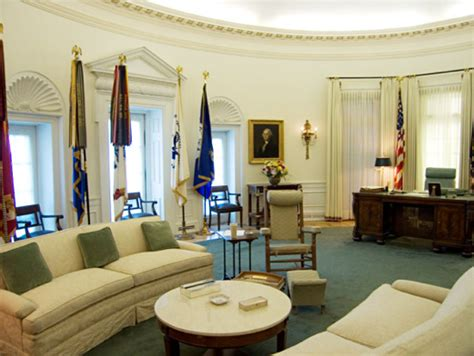 oval office decor through the years from fdr to trump how the oval office decor has changed