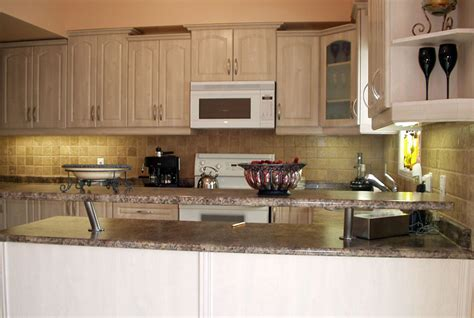 How Much Do Kitchen Cabinets Cost Per Linear Foot Cost To Refacing Kitchen Cabinets Decor Trends