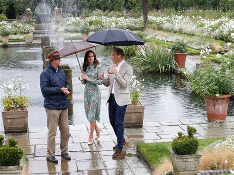 kensington palace william and kate prince william prince harry pay tribute to princess diana