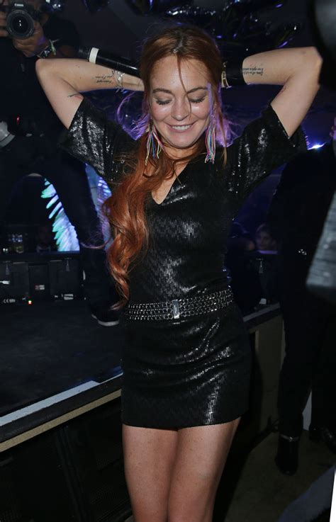Random Lindsay Lohan Club Pictures by Lindsay Lohan Out Style Vip Room Nightclub In
