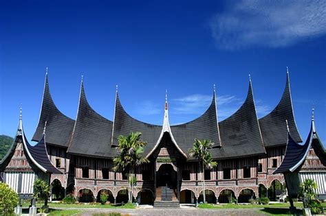 panoramio photo of the rumah gadang