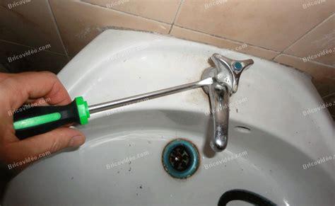 bricovid 233 o plomberie d 233 monter la t 234 te d un vieux robinet