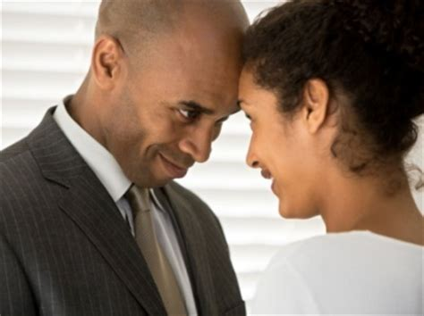 professional couple 3 ways to maintain a healthy relationship while building