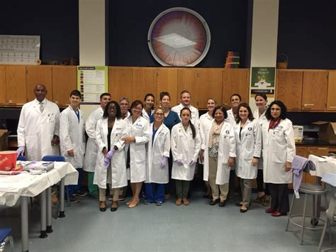Of Connecticut Mini Mba by Dental Students From Uconn And Tufts Team Up Uconn Today