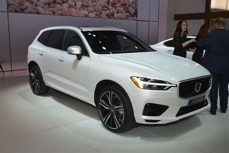 volvo new york auto show 2018 volvo xc60 debuts at ny auto show and it looks