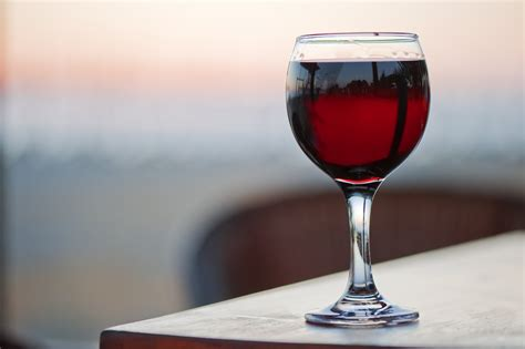 glass of wine peter dowling australian parliament member resigns after
