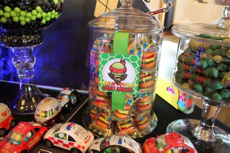 ninja turtles candy table g 1024x683 teenage mutant