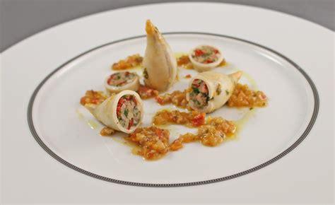 cuisine encornet recette d encornets farcis par alain ducasse