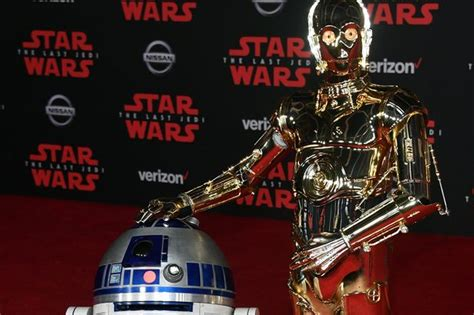 anthony daniels star wars 9 star wars 9 did c3 po anthony daniels tease trailer and