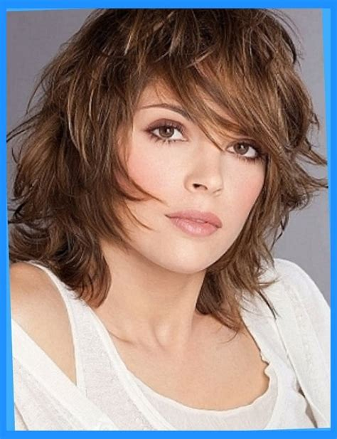 mediaum shag hairstyle 40 medium hairstyles for women over 40 with bangs