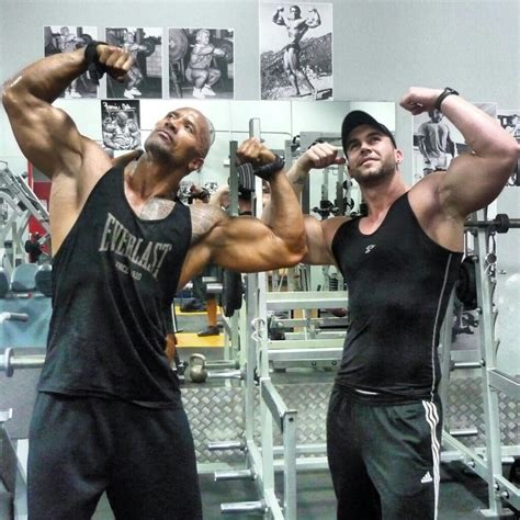 Roman Reigns Bench Press Dwayne Johnson Acteur Le Plus Rentable De 2013 Forum