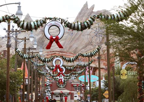 adventure park holiday lights holidays at disney california adventure