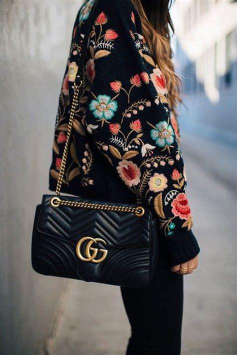 cappotti e look minimal blue is in fashion this year moda donna autunno inverno 2017 2018 tutte le tendenze