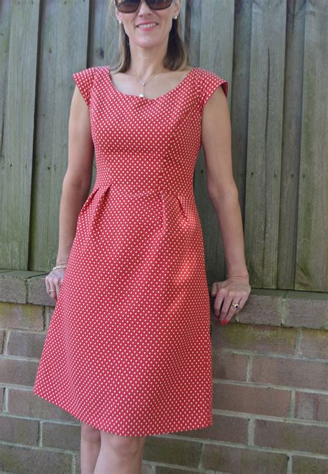 dress pattern reviews pattern review simplicity 2282 and happy blog birthday