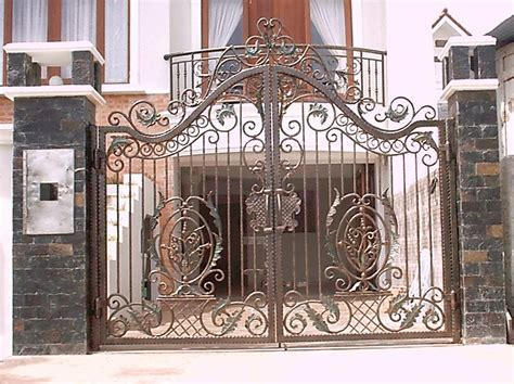 Home Interior Designs: Great Iron Gate Designs