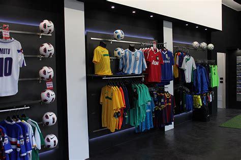 arredamento negozio sportivo arredamento negozio abbigliamento sportivo arredo