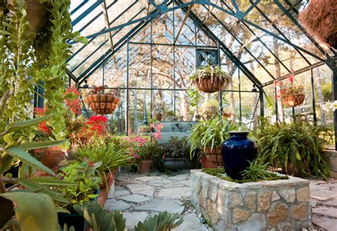 Lehmhaus Im Glashaus by 10 Gorgeous Greenhouses To Get You Excited For