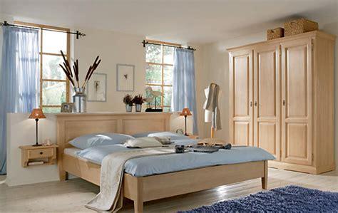 holzmöbel schlafzimmer schlafzimmer harmonisch gestalten
