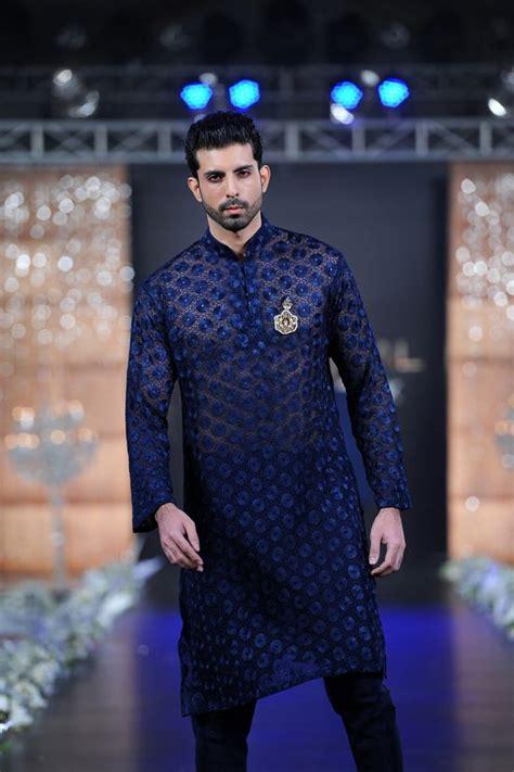 Atasan Pakistan Kurta 11 outfittrends 12 style fancy embroidered kurtas for this season