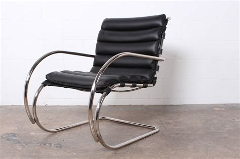 mies der rohe lounge chair pair of mr lounge chairs by mies der rohe for knoll