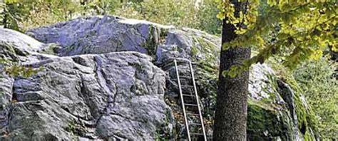 steine findlinge steine und findlinge