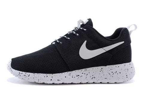 Running Shoes Nike Rosherun Black White mens womens nike rosherun id oreo black white sport
