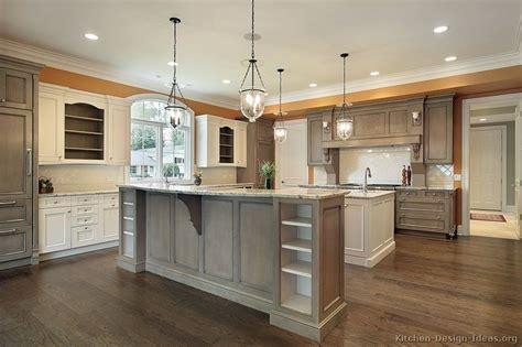 two toned kitchen cabinets image from http www kitchen design ideas org images