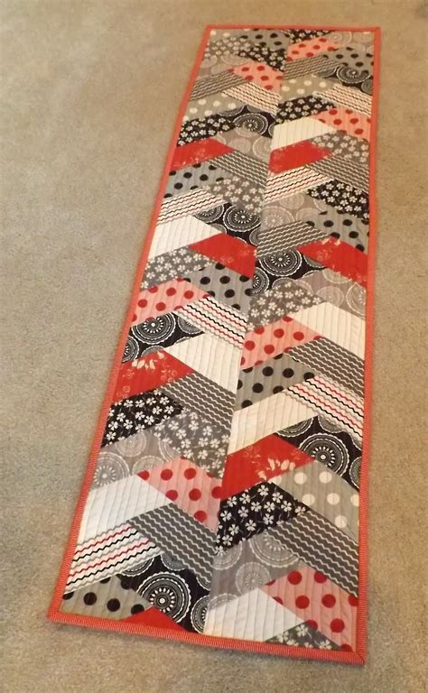 Quilt Runner treadle quilts table runner mania