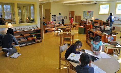montessori classroom layout elementary 25 best lower elementary montessori photos images on