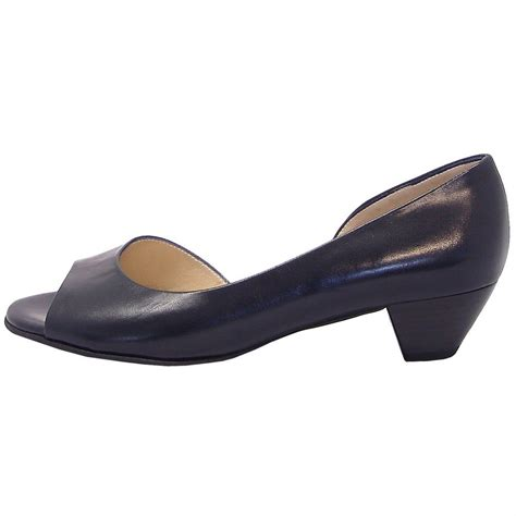 toe shoes kaiser itha low heel open toe shoes in navy mozimo