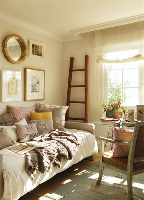 Small Guest Bedroom by 10 Tips For A Great Small Guest Room Decoholic