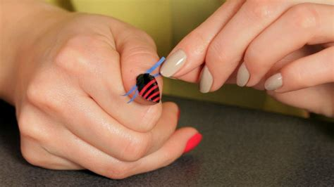 easy nail art stripes 4 really easy nail art videos on youtube indian makeup