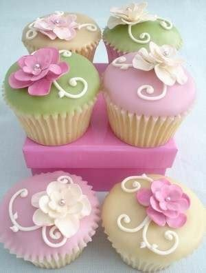 flower design cupcakes 17 best images about cupcakes flowers on pinterest