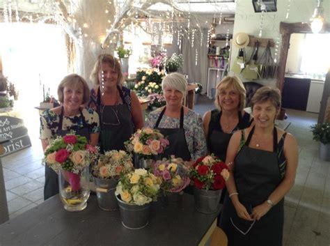 flower design school uk school of flowers full day gift voucher the floral art