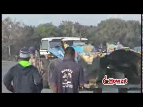 shelly beach ski boat club menu injuries as ski boat capsizes in shelly video ehowzit