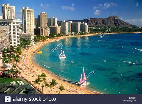 catamaran on waikiki beach waikiki beach and diamond head with beach front hotels and