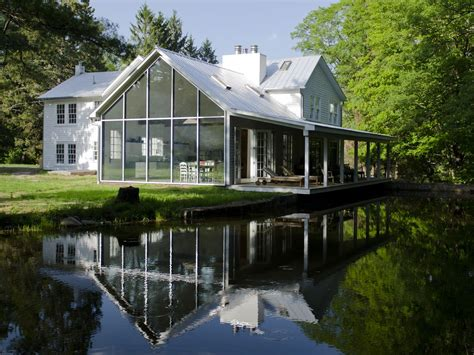 floating farmhouse floating farmhouse stunning renovation in vrbo